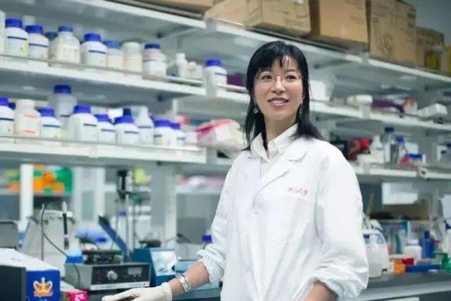 天游平台注册地址美貌与智慧并存,中国教授获世界科学界大奖!